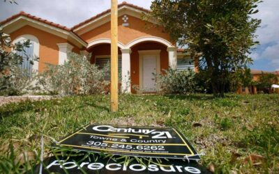 """""""Zombie"""" foreclosures fall in South Florida"""