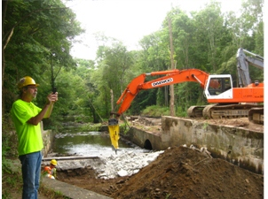 hopewell-mills-dam-during-removal