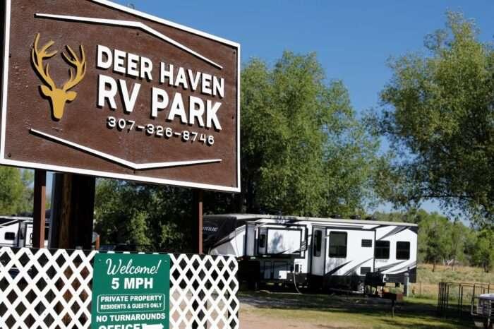 Deer Haven Entrance