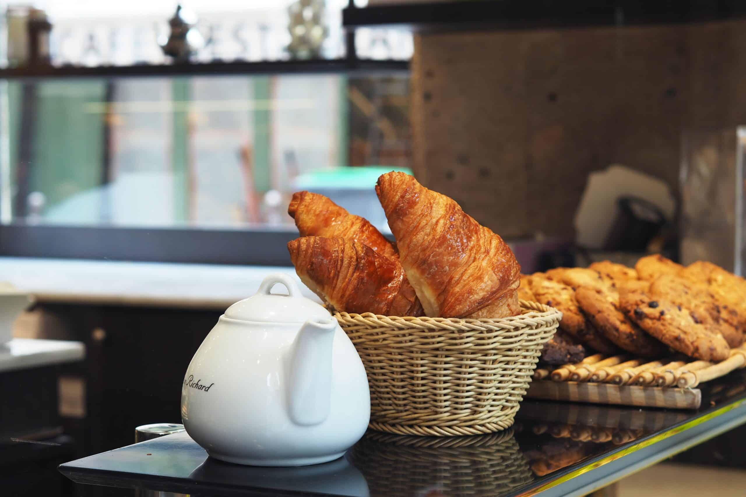 moama breakfast basket