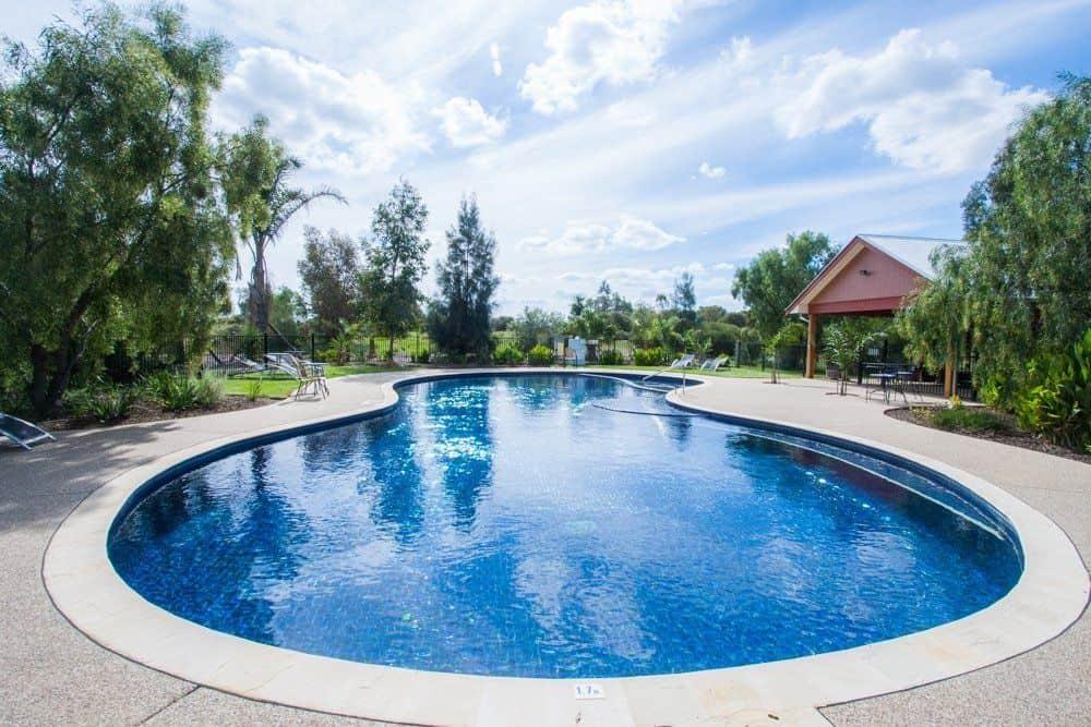 moama accommodation with pool