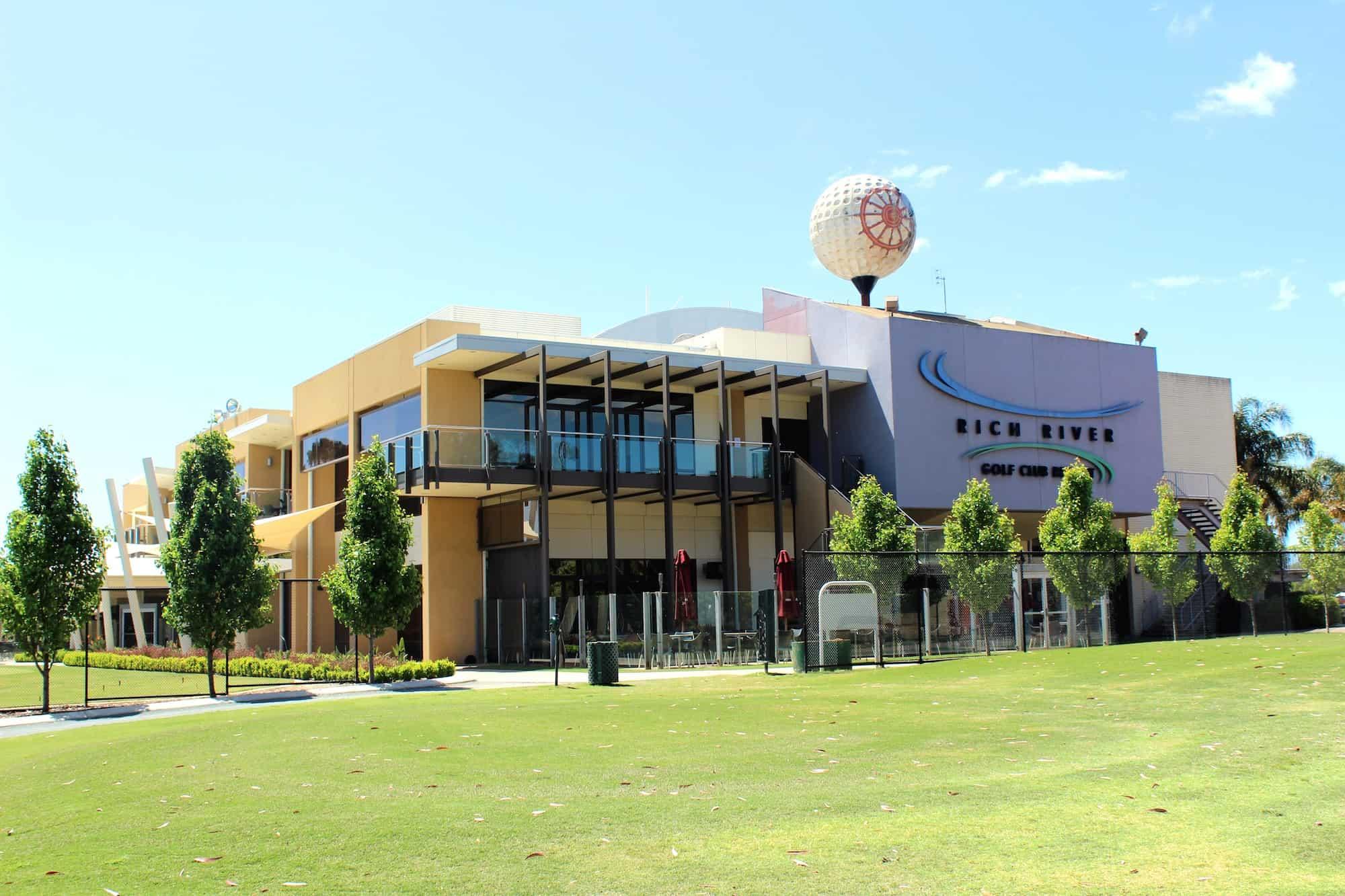 rich river golf club building