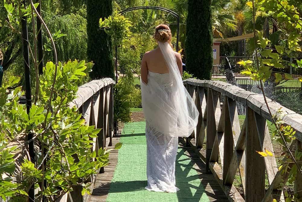 bride at perricoota vines