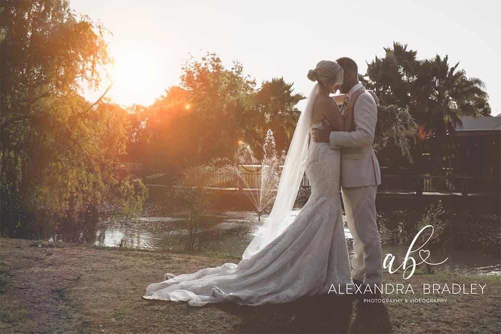 perricoota vines wedding by the lake
