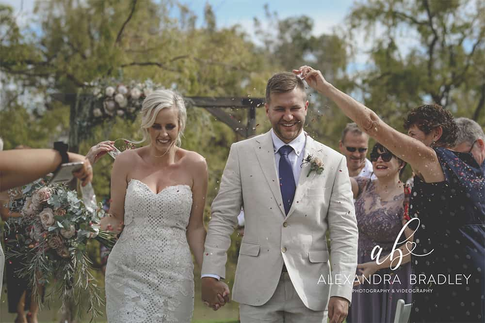 groom and bride at perricoota vines