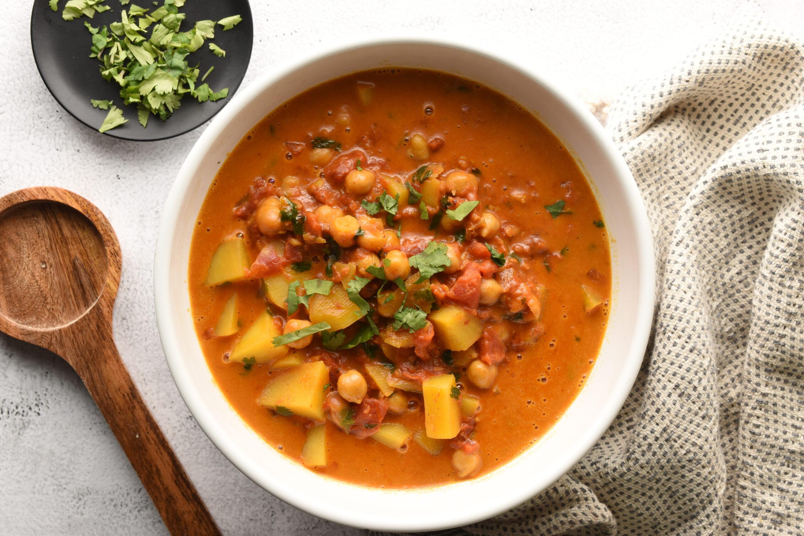 Chickpea and Potato Creamy Tomato Curry