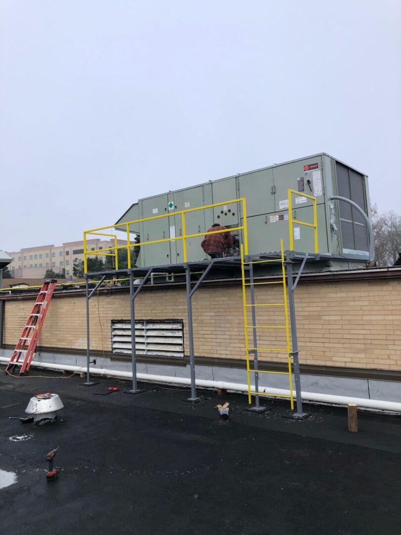 Large outdoor HVAC system