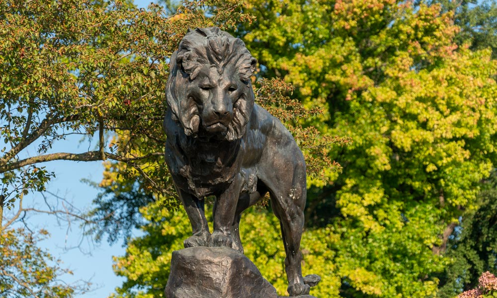 dayton art institute lion