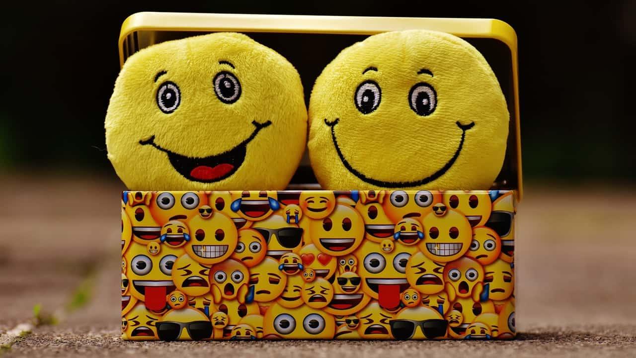 smiley face emoticons
