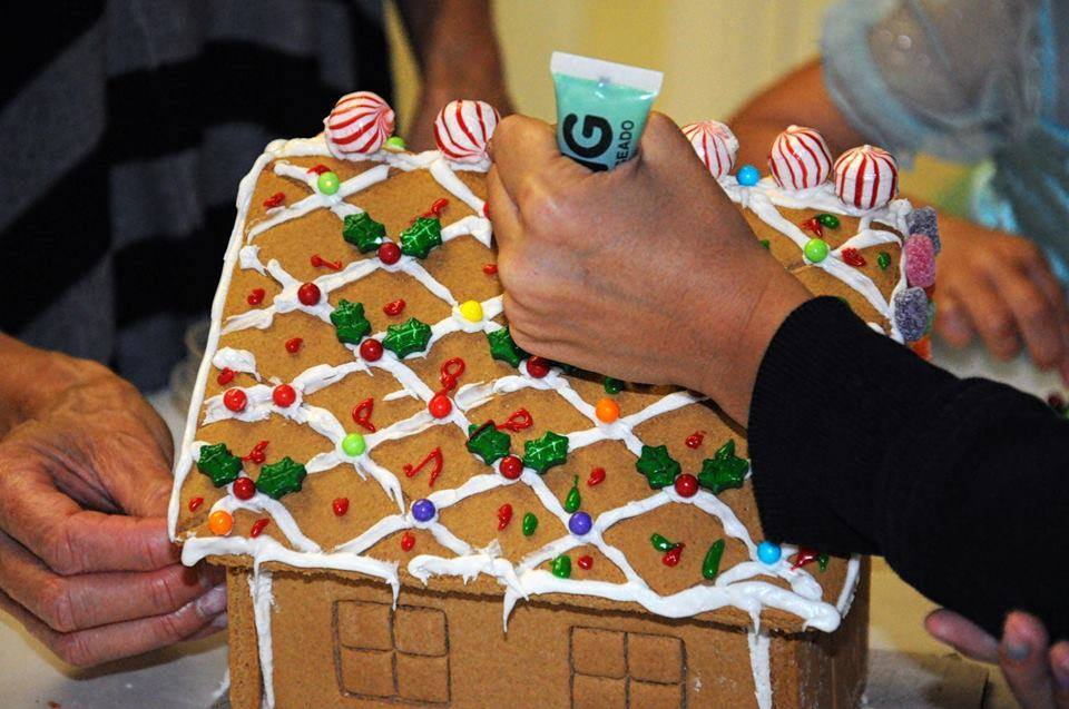 Gingerbread Decorating during the Christmas Event
