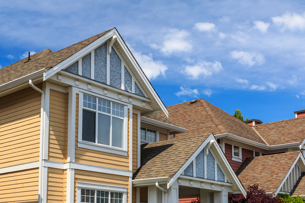 How to Spot a Roofing Scam
