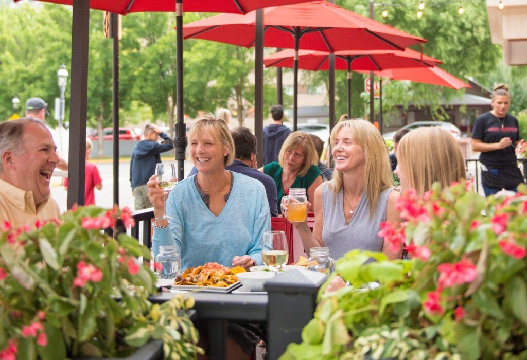 Outdoor Dining in Glenwood Springs080 medium Visit Glenwood