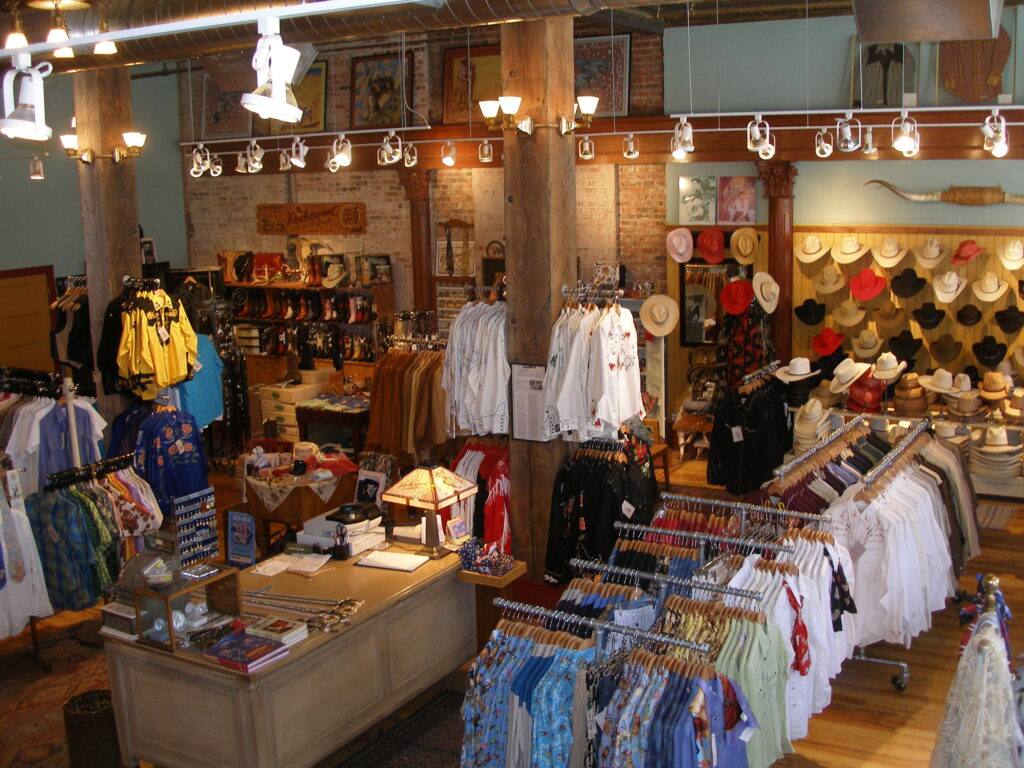 RockmountRanchWear Shopping 003 Lisa Bruening