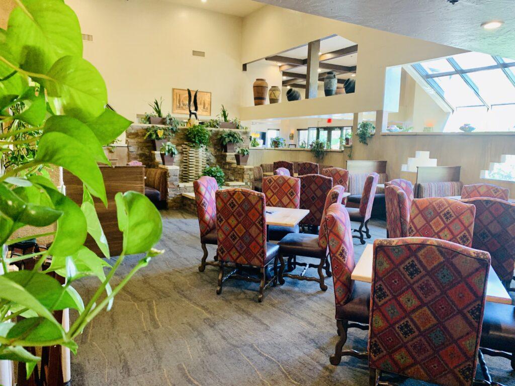 Restaurant Seating Treenuch Contreras