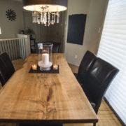 Table en érable argenté fait sur mesure par un artisan