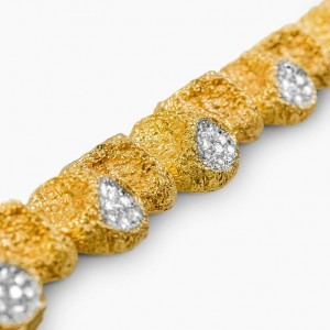 Van Cleef and Arpels diamond nugget bracelet 2