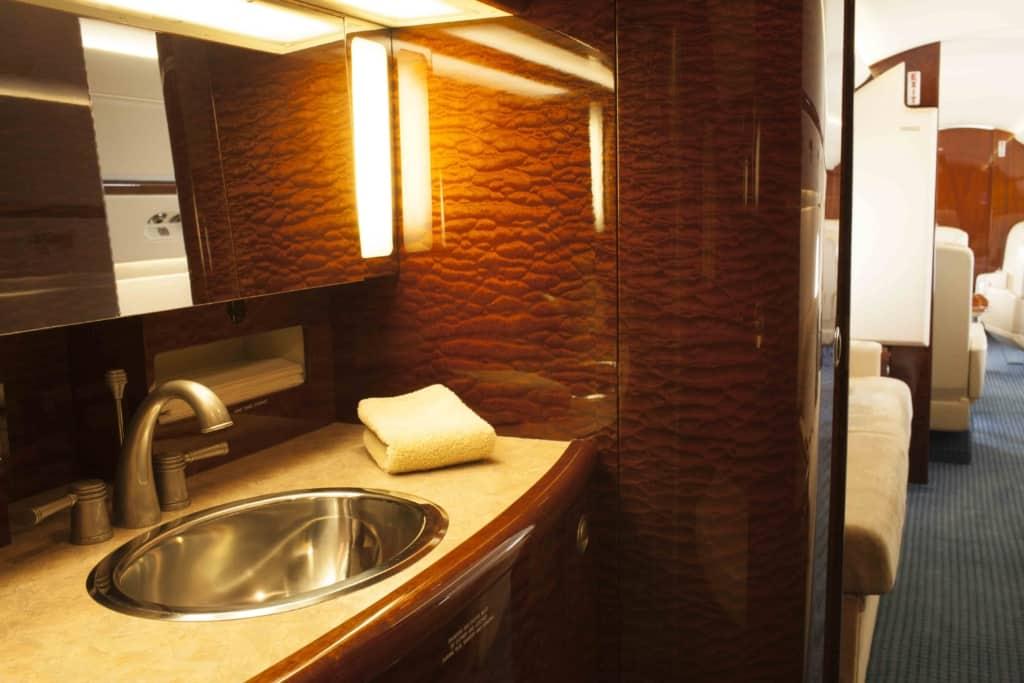 Gulfstream IV Interior_Lav