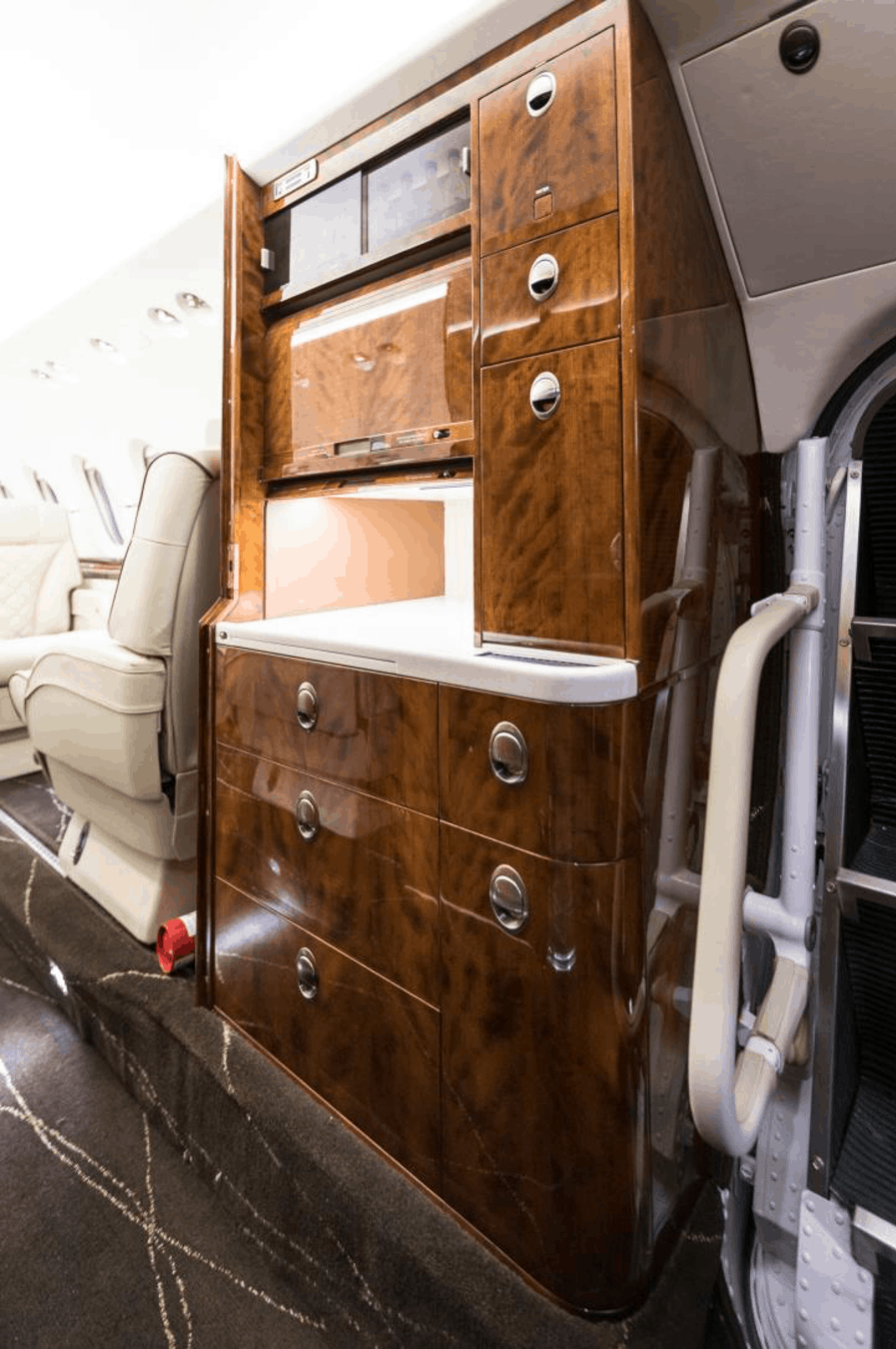 Hawker 900XP Interior by Elliott Aviation