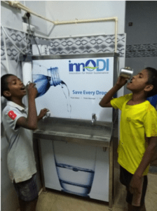 Drinking water at an innoDI kiosk