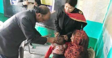 समस्तीपुर के डीएम चंद्रशेखर सिंह ने अपने हाथों बच्चों को कराया अन्नप्राश समस्तीपुर Town