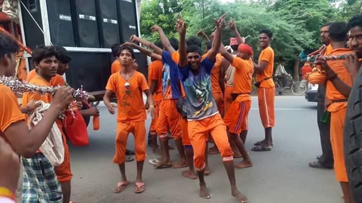 डीजे विथ चिलम और बोलो बम बम बम – (आनंद की कहानी) समस्तीपुर Town