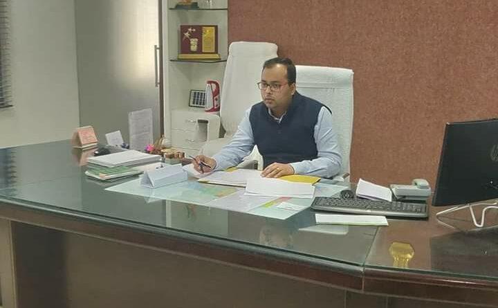 डीएम ने पचास से अधिक स्कूलों के प्रधानाध्यापकों का रोका वेतन समस्तीपुर Town