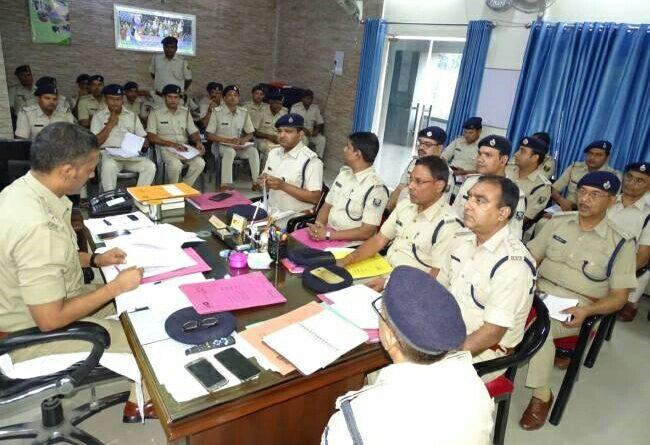 अपराधियों के खिलाफ निरंतर जारी रखें कार्रवाई, किसी तरह की कोताही बर्दाश्त नहीं की जाएगी --- एसपी समस्तीपुर Town