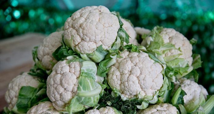 ताजपुर स्थित मोतीपुर सब्जीमंडी में दो रुपये किलो बिकी गोभी समस्तीपुर Town