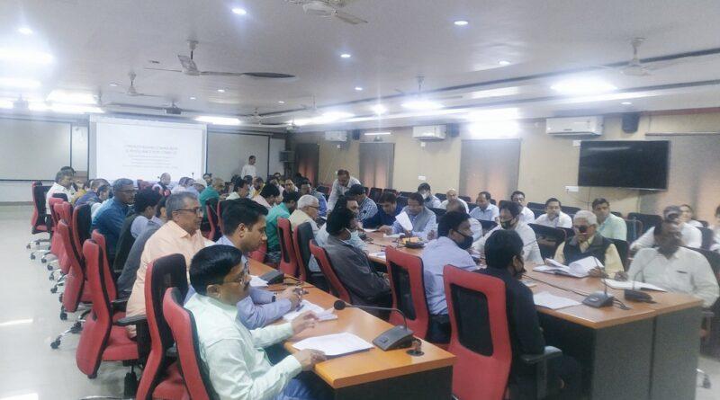 मास्क के कालाबाजारी करने पर दवा विक्रेताओं पर होगी कार्रवाई, DM शशांक शुभंकर ने दिये आदेश समस्तीपुर Town