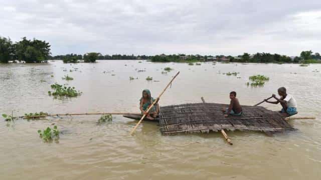 समस्तीपुर : कमला नदी में नाव पलटने से युवक की मौत, तीन लोगों ने तैरकर बचाई जान समस्तीपुर Town