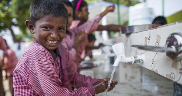 बरसात में हाथ धुला बच्चों को कोरोना और मानसून में होने वाले संक्रमण से रखें दूर समस्तीपुर Town