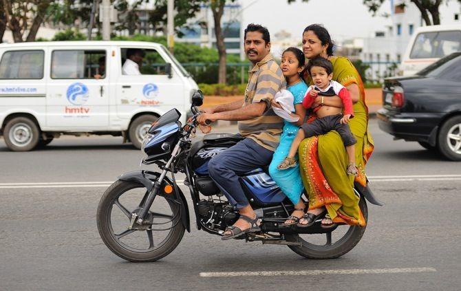 चेतावनी! मोटरसाइकिल, स्कूटर पर अगर बच्चों को बैठाया तो देना होगा भारी चालान, जरुर पढ़ें यह नियम समस्तीपुर Town