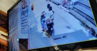 हाजीपुर थाना में तैनात महिला दरोगा दुकानदारों से अवैध वसूली करते CCTV में कैद, वीडियो फुटेज देख एसपी ने दिए जांच के आदेश समस्तीपुर Town