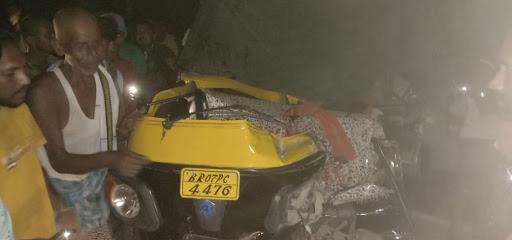 समस्तीपुर-दरभंगा मुख्य पथ पर खड़े डंपर में तेज रफ्तार ऑटो ने मारी ठोकर, चालक की मौत समस्तीपुर Town