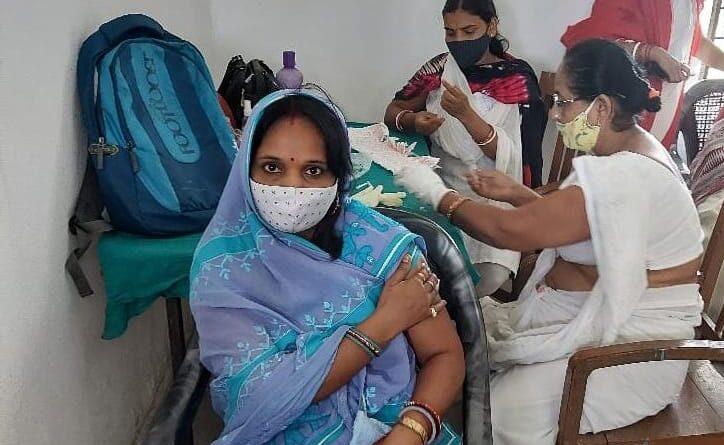 विभूतिपुर प्रखंड के विभिन्न गांवों में हुआ वैक्सीनेशन कार्यक्रम, कई लोग बगैर वैक्सीन लिए ही लौटे समस्तीपुर Town