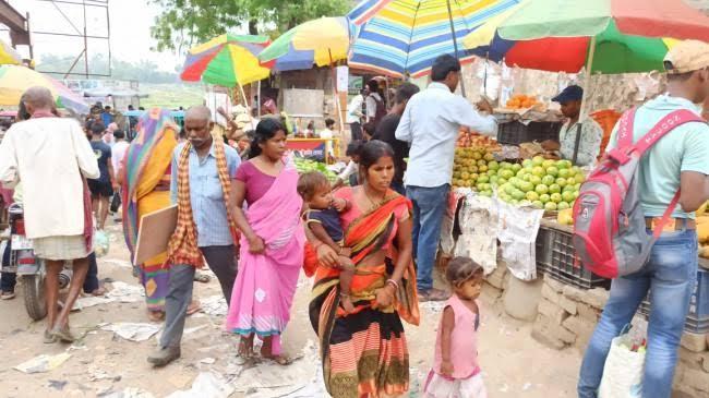 समस्तीपुर में अब भी कोरोना के 15 मरीज है एक्टिव, लोगों को मास्क से होती जा रही दूरी समस्तीपुर Town