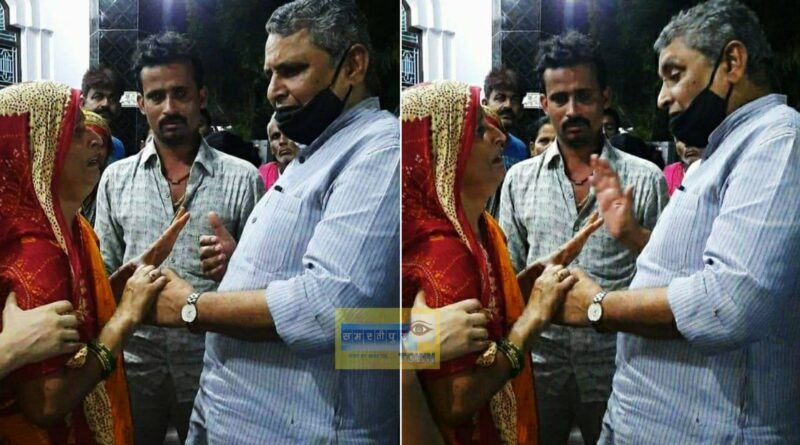 पूर्व मुखिया शशिनाथ झा के परिजनों से मिल शिक्षा मंत्री विजय चौधरी ने दी सांत्वना समस्तीपुर Town