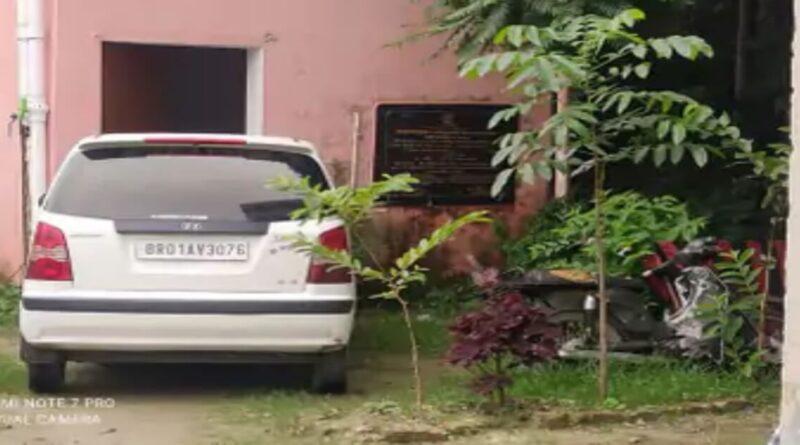 समस्तीपुर: पंचायत चुनाव में खपाने के लिए ला रहे थे 445 बोतल शराब, पुलिस ने कार और 2 बाइक समेत किया जब्त समस्तीपुर Town