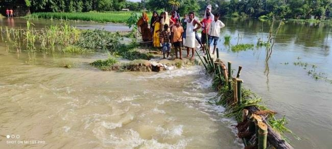 समस्तीपुर में एक बार फिर बाढ़ ने कहर बरपाना किया शुरू, नून का बांध टूटा, सिंघिया में कोसी ने बरपाया कहर समस्तीपुर Town