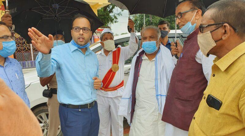 समस्तीपुर के प्रभारी मंत्री श्रवण कुमार ने सरायरंजन व विद्यापतिनगर पहुंच बाढ़ पीड़ितों का जाना हाल समस्तीपुर Town