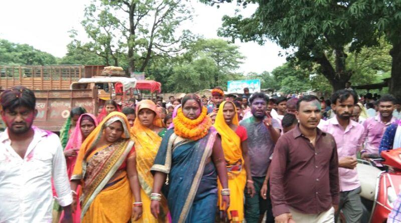 उजियारपुर में पहले दिन सरगर्मी रही तेज, सातनपुर पंचायत से मुखिया पद के लिए वीणा देवी ने किया नामांकन समस्तीपुर Town