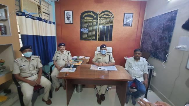 दलसिंहसराय में ई-रिक्शा चालक हत्याकांड का पर्दाफाश, मुंगेर से बदमाश गिरफ्तार समस्तीपुर Town