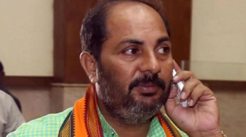 योगी के मंत्री का अजीबोगरीब बयान, कहा- बहुत कम है पेट्रोल का दाम, 95% लोग तो इस्तेमाल ही नही करते समस्तीपुर Town