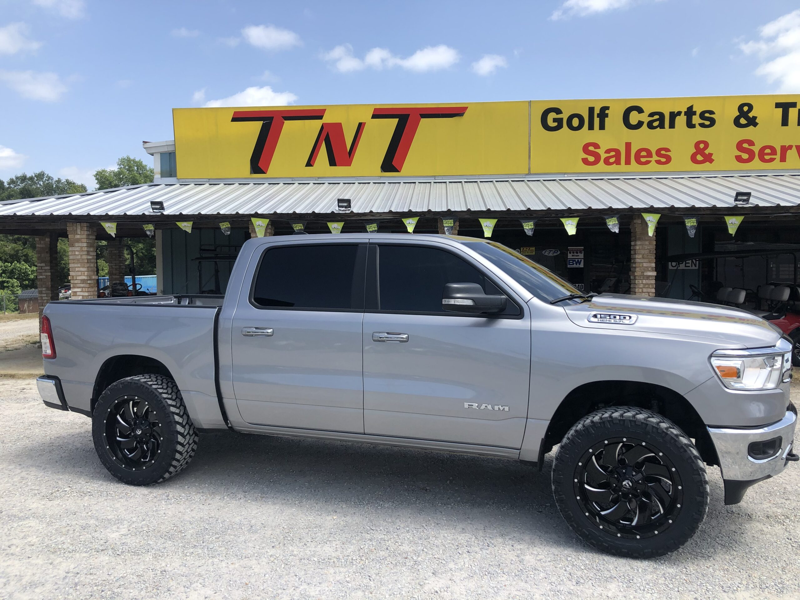 """3.5"""" Rough Country Lift 22"""" Fuel Cleavers 35"""" Nittos Trails"""