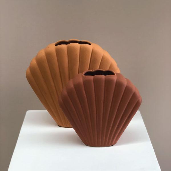 terracotta-shell-vase