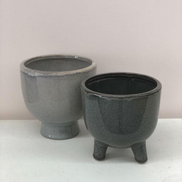 grey-pots