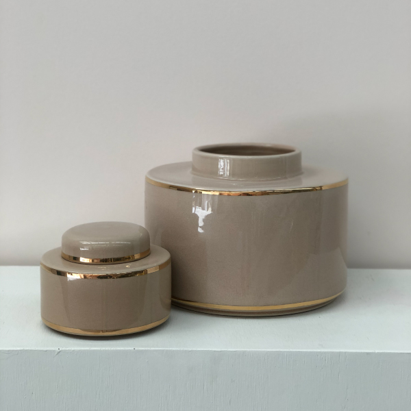 Taupe-Vases