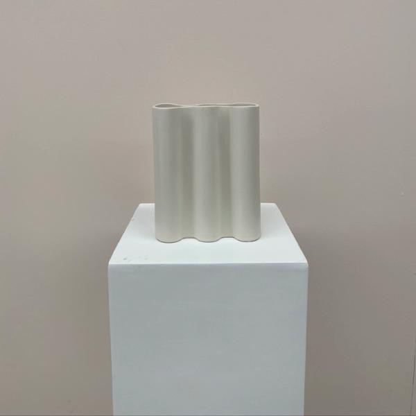 wave-vase