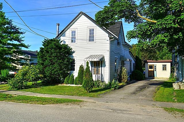 7 George Street, Westport, Ontario, Gurreathomes.com