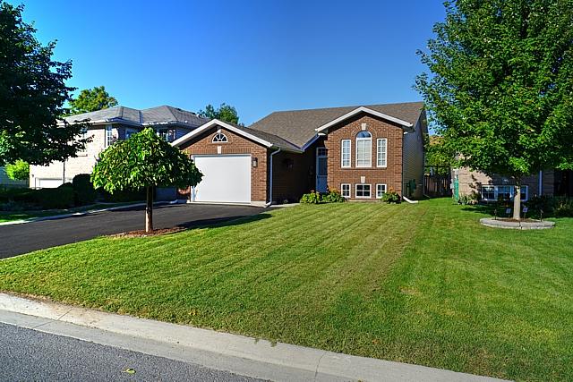 698 Roosevelt Drive, Kingston, Ontario, Gurreathomes